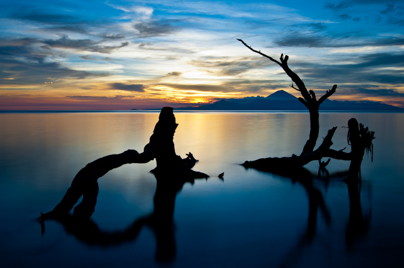 Indonesian Sunset - a long exposure landscape photo by Finnish photographer Kimmo Savolainen.