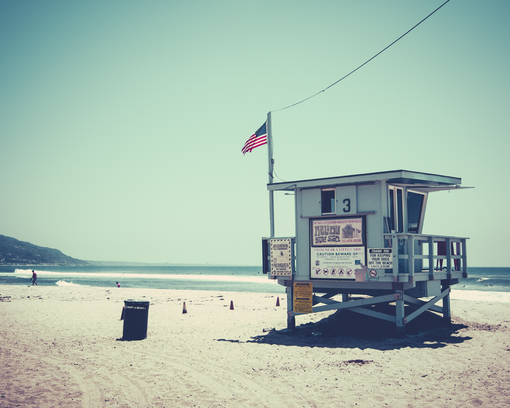 'Lifeguard Tower' - Malibu Beach, USA 2014, urban art by Kimmo Savolainen Photography.