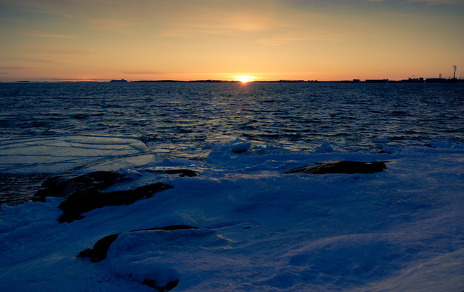 Picture Photography from Finland, landscape, sunset, Helsinki, sea, coast, winter, ice, snow.