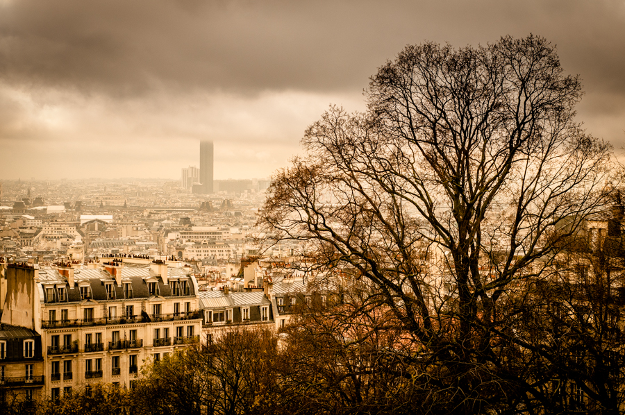 A rainy Paris cityscape photograph from the hill of Sacré-Cœur Basilica by Kimmo Savolainen Photography.