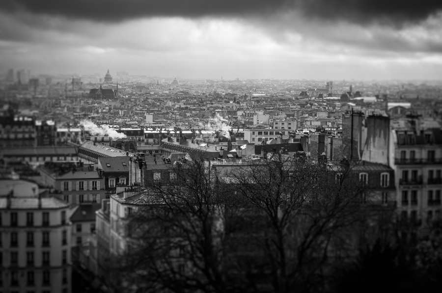 Black and white cityscape photography from Paris with tilt-shift effect by Kimmo Savolainen Photography.